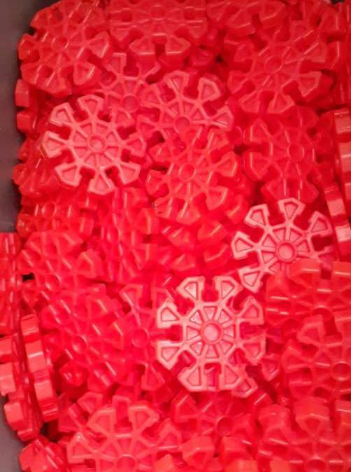 هشت پر قرمز پانکس