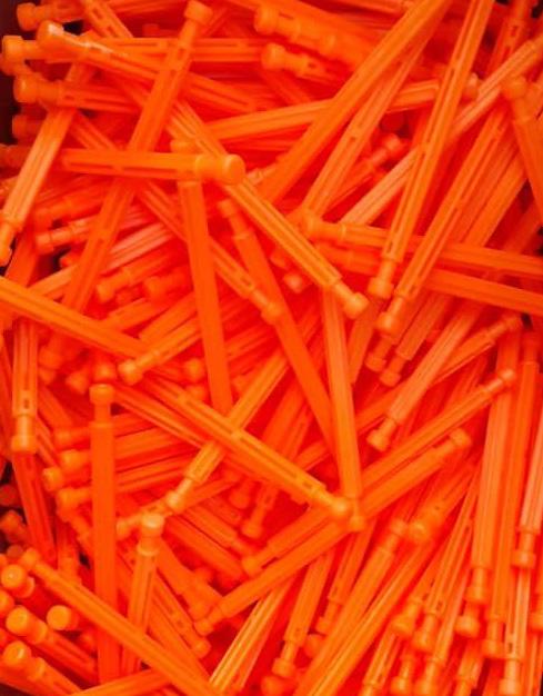 میله نارنجی پانکس